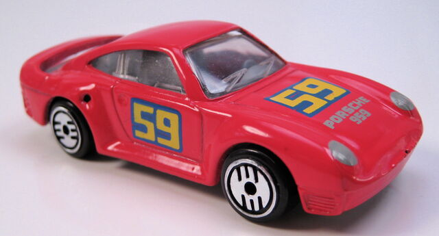 File:Porsche 959 red, grey int, clear glass, UH, metal MAL base.JPG