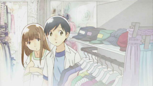 File:Shoppingonadate.jpg