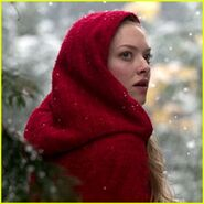 Amanda-seyfried-red-riding-hood-first-look