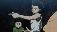 Ging and Gon exchanging stories
