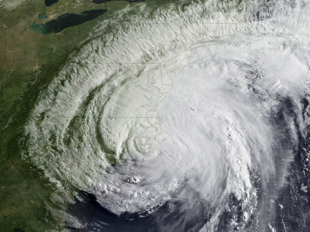 "File:NNVL- ""Hurricane Irene Makes Landfall - Visible Satellite Image"".jpg"