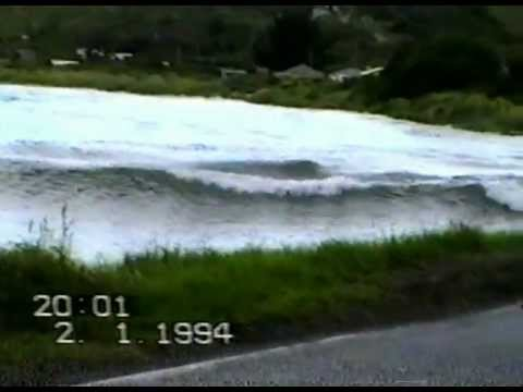 File:Mini-Tsunami-1.jpg