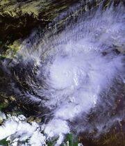 Hurricane Lenny 17 nov 1999 2004Z