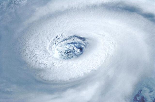 File:Eye of Hurricane Igor 2010-09-14 1356Z.jpg