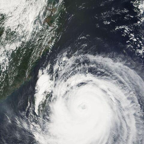 File:Typhoon Talim 31 aug 2005 0240.jpg