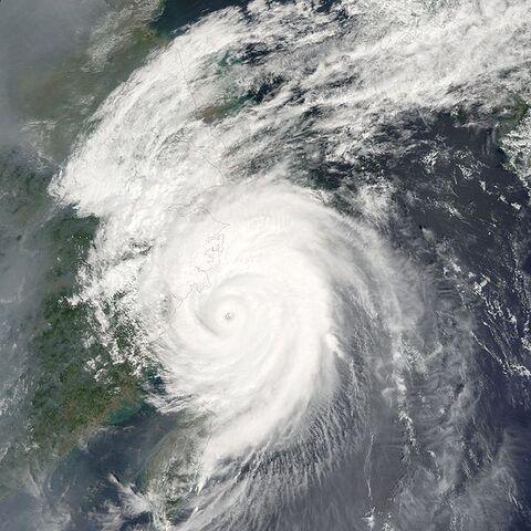 File:Typhoon Khanun 2005.jpg