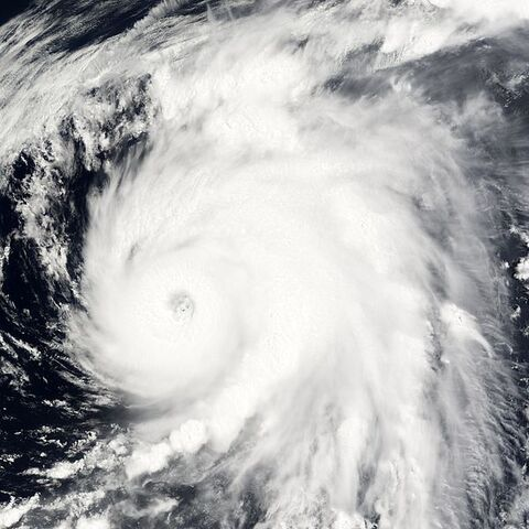 File:Typhoon Nesat 06 jun 2005 0140Z.jpg