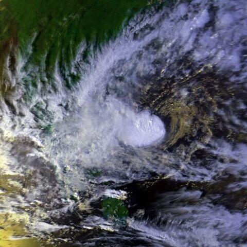 File:Tropical Cyclone 01B 16 oct 2000 0939Z.jpg