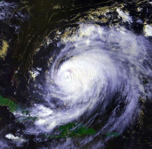 File:Hurricane Bonnie 23 aug 1998 1857Z.jpg