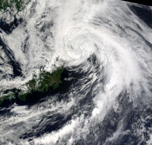 File:Typhoon Chataan 11 july 2002 0120Z.jpg