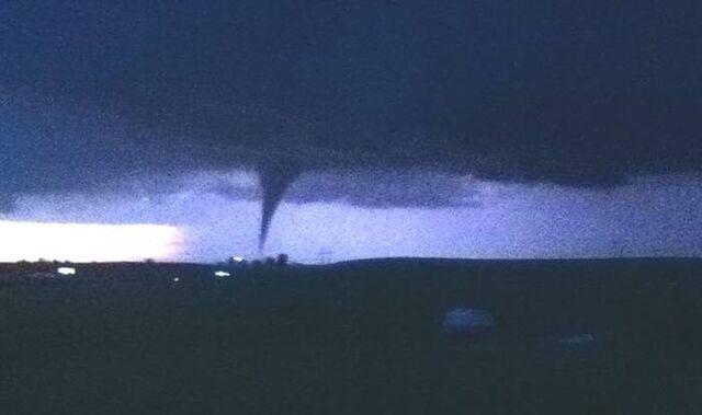 File:May 21, 2011 Reading, Kansas tornado.jpg