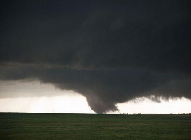 File:Tornado 37.jpg