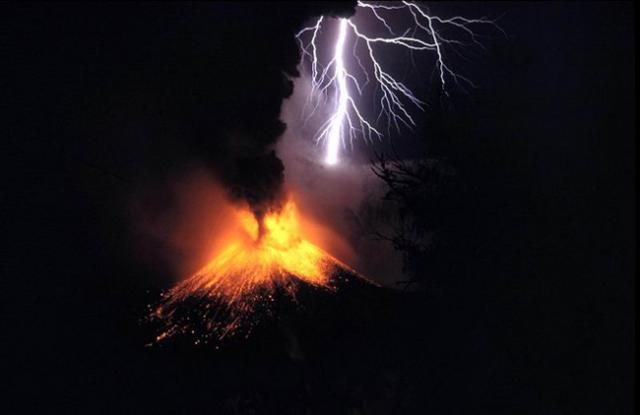 File:Voolcanic eruption 33.png