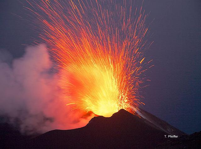 File:Volcanic eruption 5.png