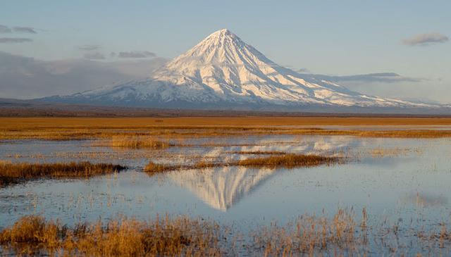 File:Kronotsky volcano.png