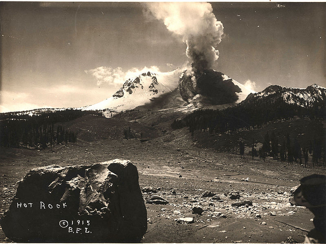 File:Volcano (43).png