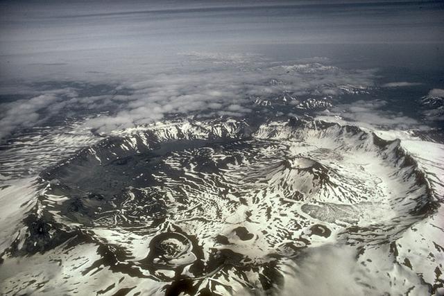 File:Aniakchak-caldera alaska.png