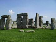 Nearby-salisbury-stonehenge