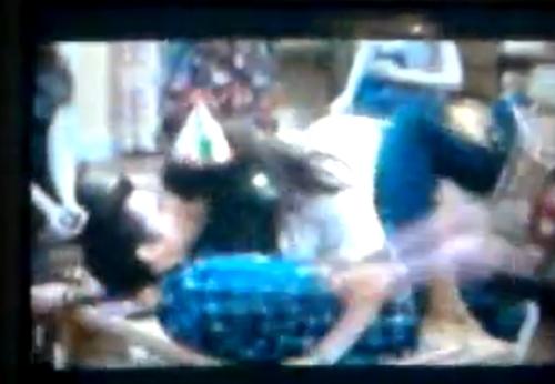 File:Nora kissing Freddie isp.jpg