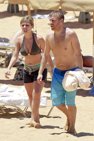 File:Jennette mccurdy hawaiian vacation 281329.jpg