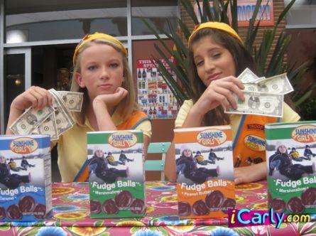 File:Girls with money.jpg