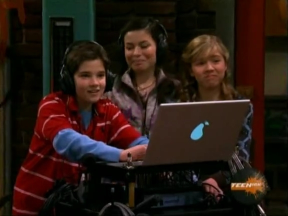 File:ICarly.S01E04.iLike.Jake.avi.flv 001253218.jpg