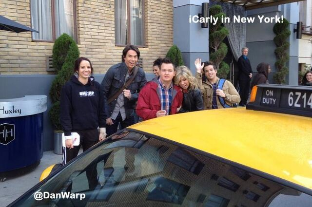File:Icarly in ny.jpg