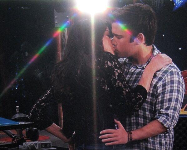 File:IGoodbye Kiss 5.JPG