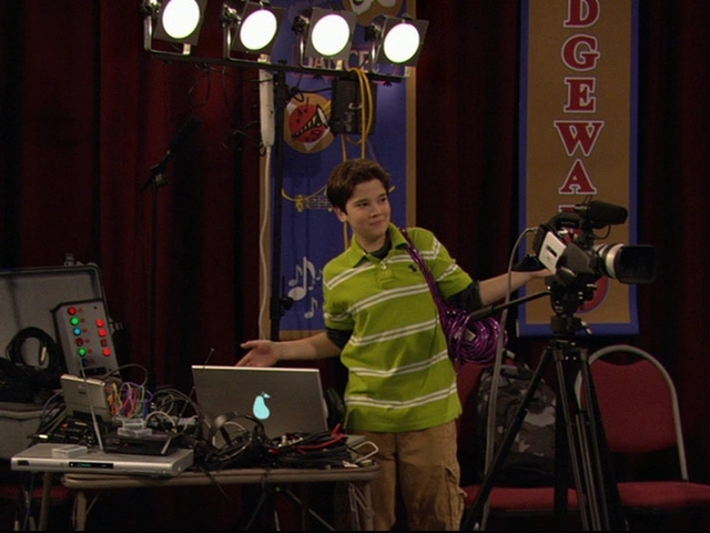File:IPilot-icarly-6526772-640-480.jpg