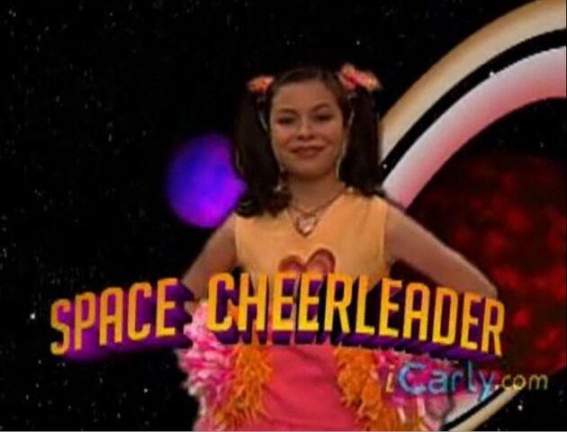 File:Carly as Melanie Higgles.jpg