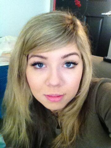 File:Jennette-McCurdy-blue-eyes.jpg