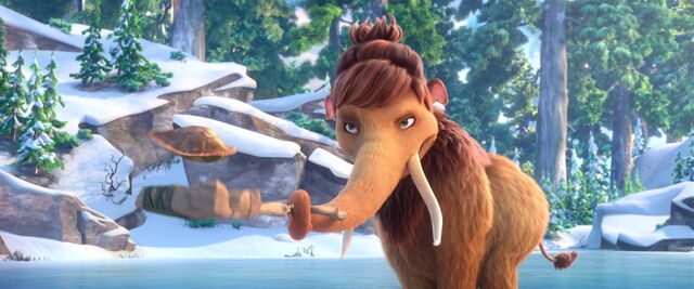 File:Peaches challenging Manny (Ice Age 5).jpg