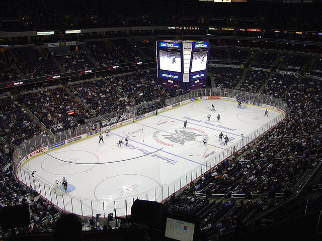 File:Verizon Center Caps vs Pens.jpg