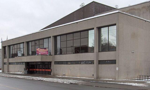 File:Centre Etienne Desmarteau. Hockey Arena in Montreal.jpg