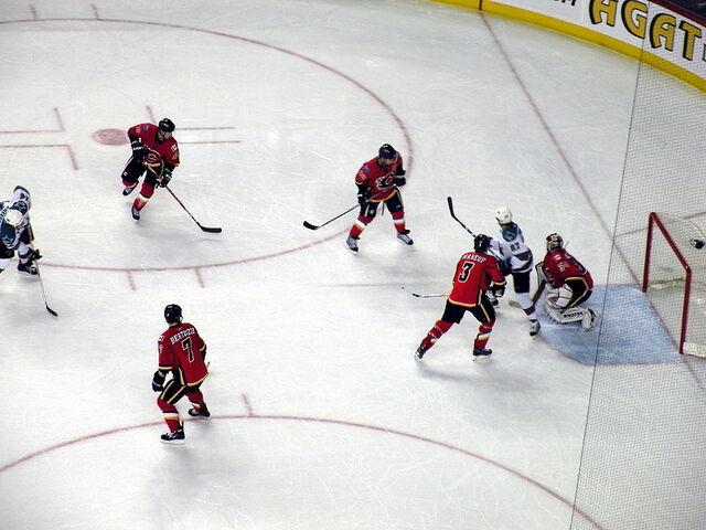 File:2009-03-30 Calgary vs San Jose.JPG