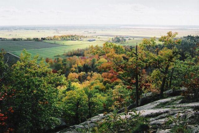 File:Eardley, Quebec.jpg