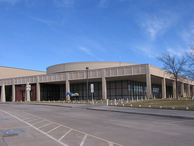 File:Amarillo-Texas-Civic-Center-Ballroom-Dec2005.jpg