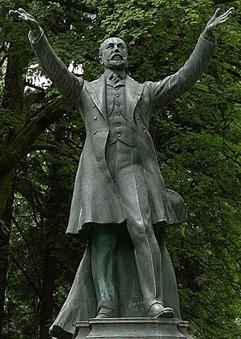 File:Buberel Lord Stanley statue.jpg