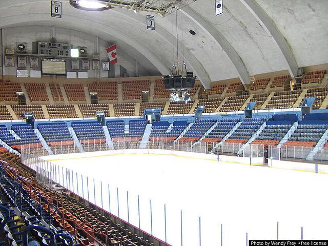 File:Hersheypark arena inside1.jpg