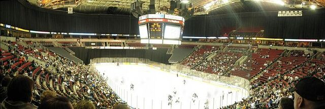File:Keyarena-hockey.jpg