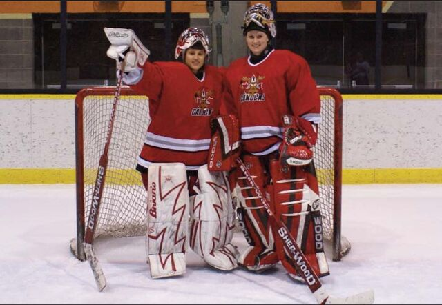 File:OttawaCapitalCanucks 2008CWHL.jpg
