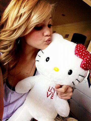 File:Olivia and Hello Kitty.jpg