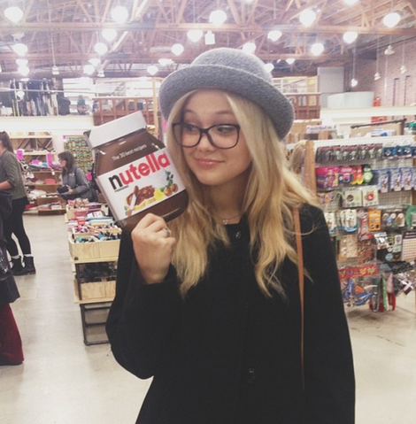 File:Olivia with Nutella.png