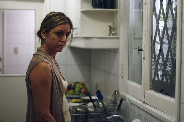 File:Claudia Celedón in The Maid (2009).jpg