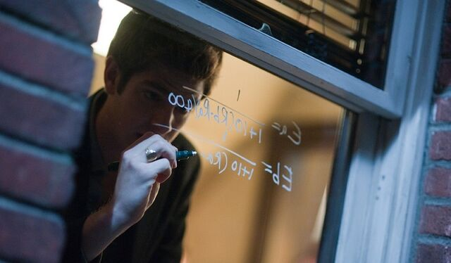 File:Andrew Garfield in The Social Network.jpg
