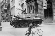 Tank-watching-street