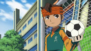 Endou caught the ball with one hand