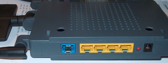File:Linksys WRT300N v1.1h.JPG