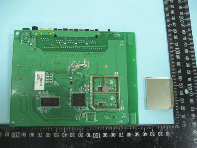 File:Netgear WNR2000 v2.0 FCCn.jpg