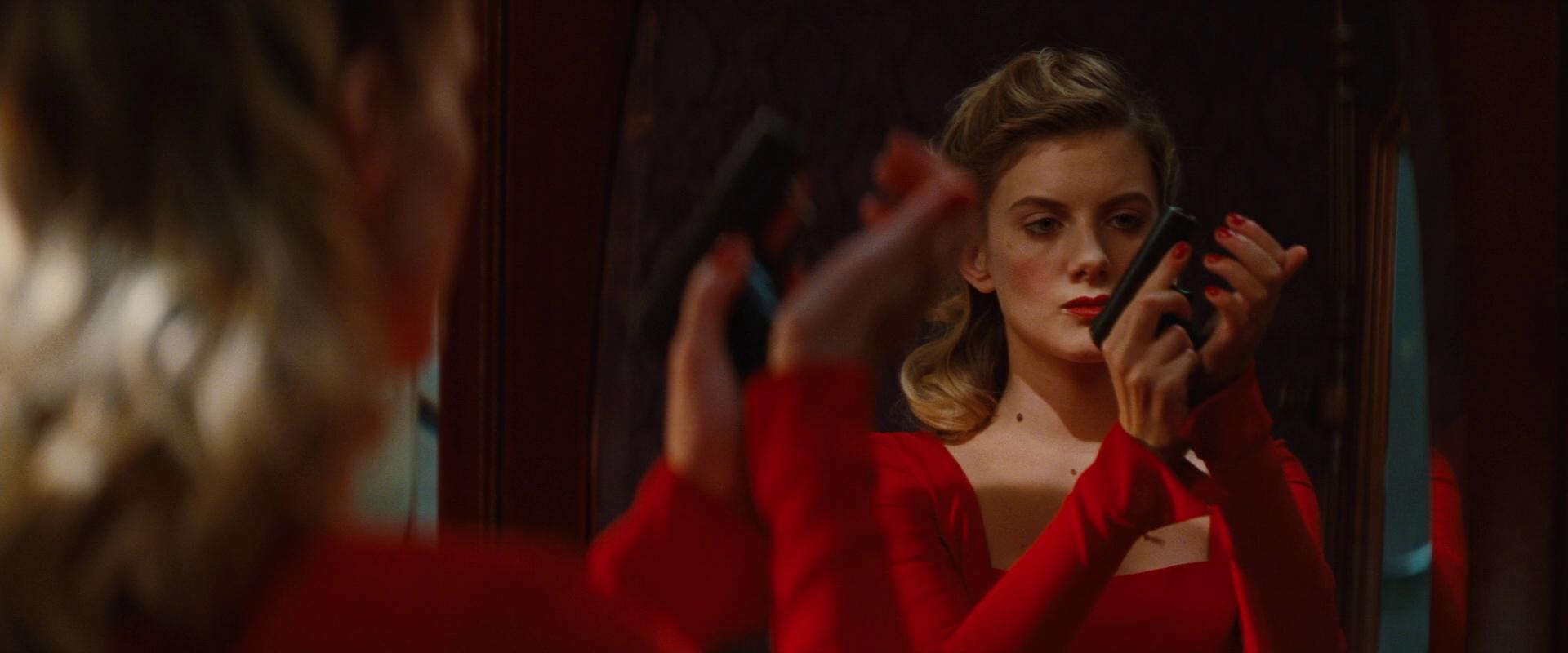 Image - Shosanna loads her gun.jpg   Inglourious Basterds ...